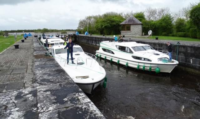 Le Boat Irland portumna Meelick Lock