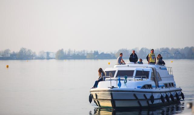Mit dem Hausboot zur Sneekweek