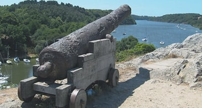 Kanone in der Bretagne
