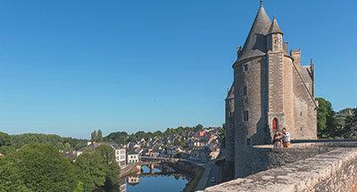 Schloss Josselin und Le Boat Hausboote in der Bretagne