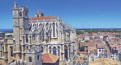 Kathedrale am Canal du Midi
