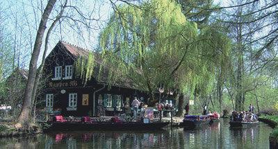 Restaurant am Kanalufer