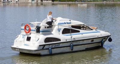 Außenansicht des Hausbootes Consul von Le Boat