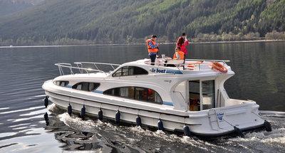 Hausboot Elegance von Le Boat auf dem Caledonian Canal