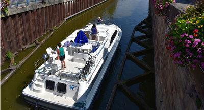 Sonnendeck des Hausbootes Grand Classique von Le Boat