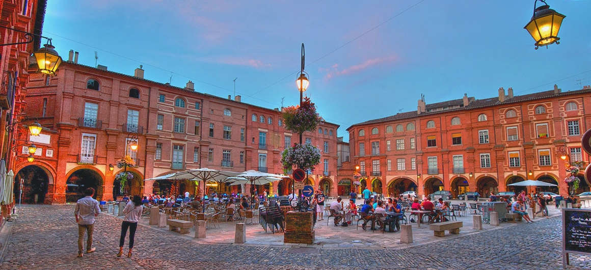Place Nationale, Montauban, Aquitanien