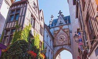 Glockenturm in Auxerre