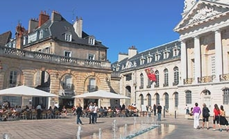 Zentraler Platz in Dijon